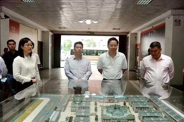 肇庆市副市长、高要市委书记冯敏强调研康美(普宁)中药材专业市场