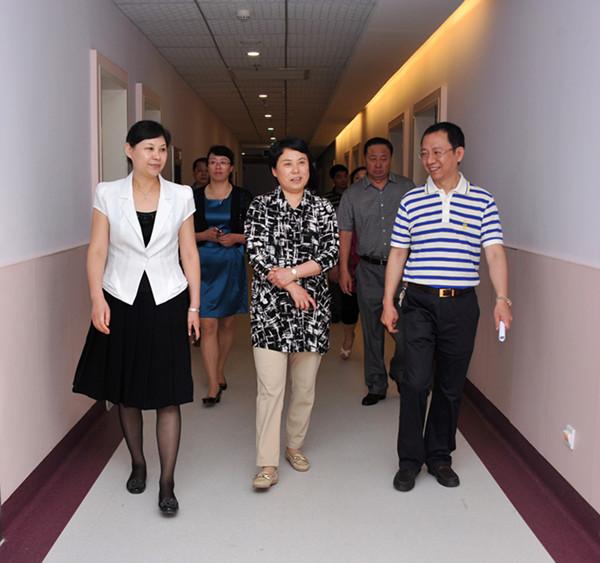 吉林省梅河口市卫生系统考察团参观康美药业