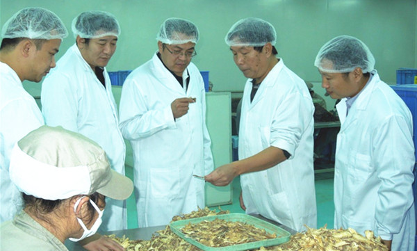 北京宣武中医院一行到康美房山、大兴基地参观交流