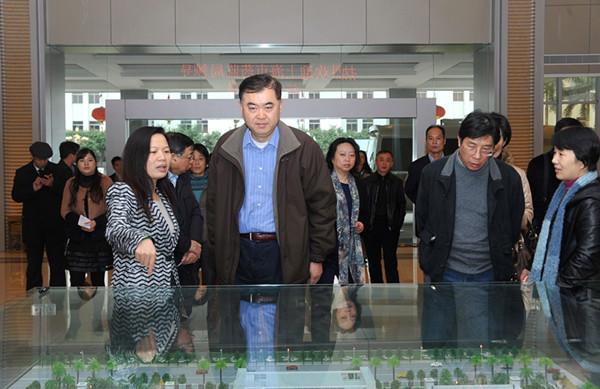 上海市药监局副局长衣承东调研康美药业