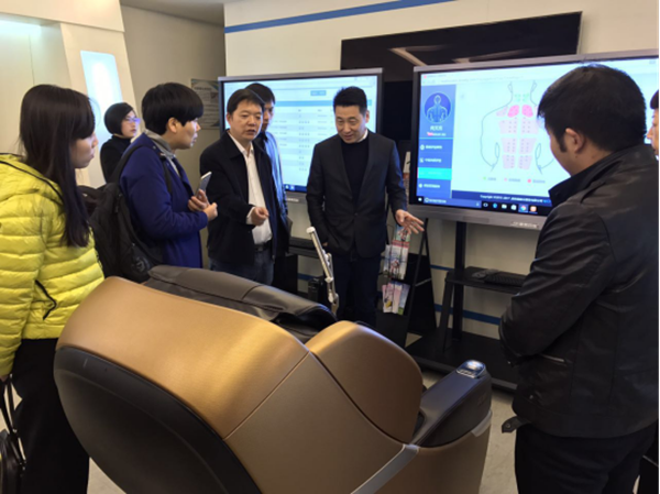 洛阳市民政局副局长安占立率队考察上海康美康健智慧医养中心