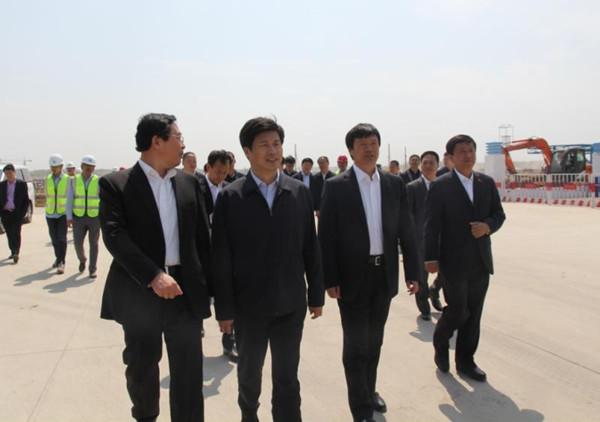 吉林省副省长金育辉考察康美梅河口健康中心项目