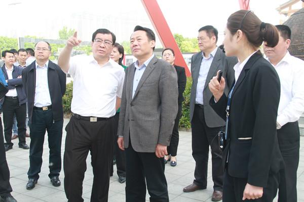 安徽省委常委、宣传部部长虞爱华考察康美(亳州)中药城