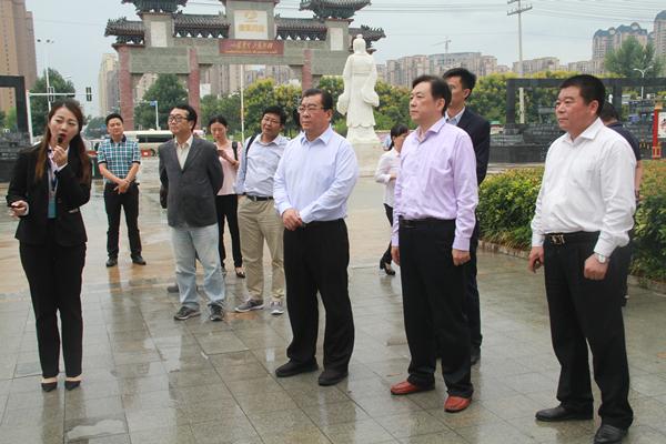 安徽省民政厅副巡视员周大群率队考察康美(亳州)中药城