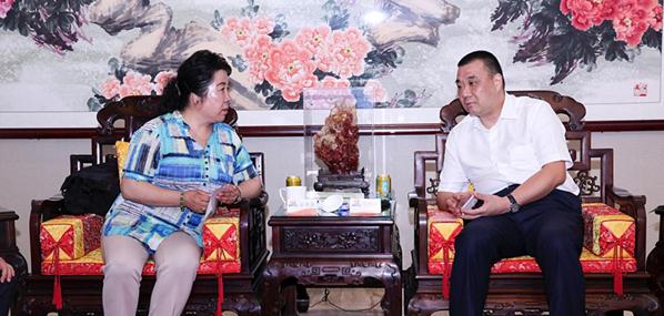 西藏自治区工业和信息化厅副厅长安央金率队考察康美药业