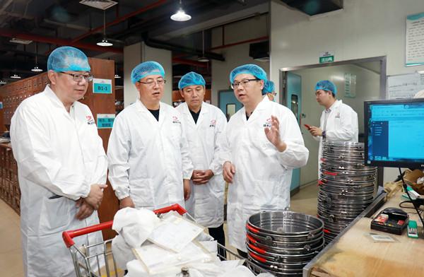 甘肃省定西市委副书记、市长汪尚学一行调研康美药业
